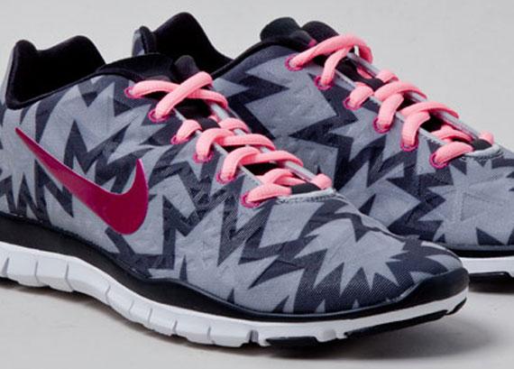 "Nike WMNS Free TR Fit 3 ""Kaboom"""