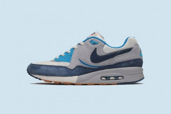 size? x Nike Air Max Light Easter Pack