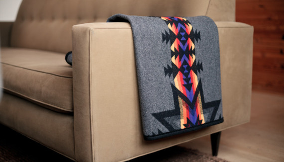 TANNER GOODS – Stadium Blanket