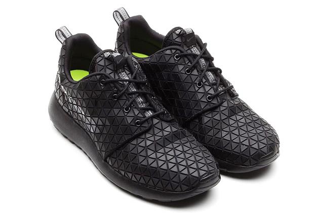 the latest 6ab7d f60c5 ... Mens - BlackWhite Nike Roshe Run Metric Black ...