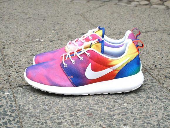 "Nike Roshe Run ""Tie-Dye"" Sneaker"