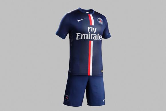 Nike Paris Saint-Germain's 2014/15 Kit