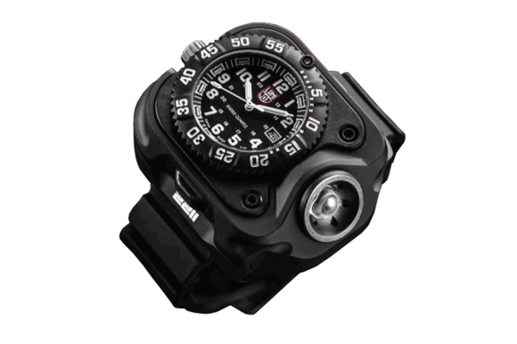 Luminox x SureFire WristLight