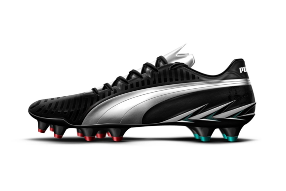 Mario Balotelli's PUMA Spear 1.0+ Boot