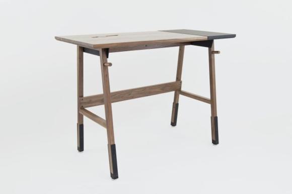 Artifox's Standing Desk 01