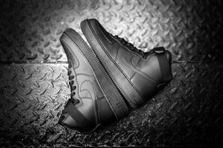 Nike Air Force 1 High Blackout